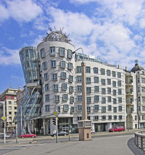 Casa Danzante by Frank Gehry - Praga