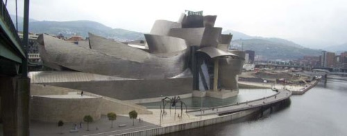 Museo Guggenheim Bilbao by Frank Gehry