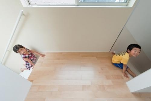 Casa con tobogán by Level Architects en Tokyo - Japón-
