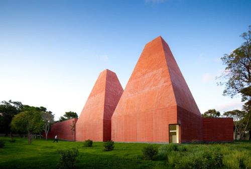 Museo Paula Rego, Casa das Histórias, por Eduardo Souto de Moura (2008)