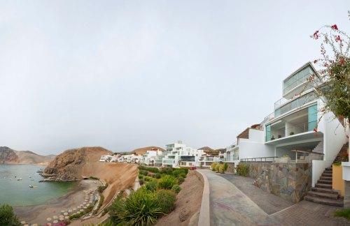 """Edificio """"El 22"""" en la playa (Lima) by JSª Arquitectos - Foto de: Eduardo Hirose"""
