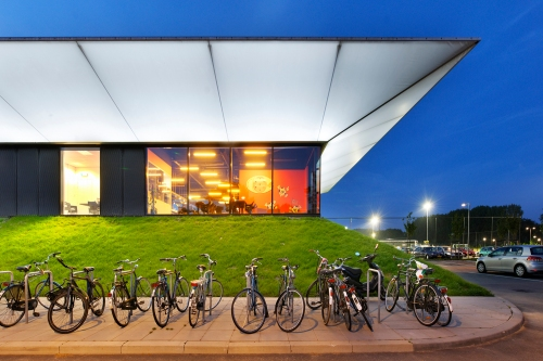 Sports Pavilion Rotterdam: Finalistas Premios Lamp Lighting Solutions 2011
