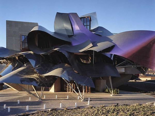 Bodegas con encanto marqu s de riscal by frank gehry - Arquitecto bodegas marques de riscal ...