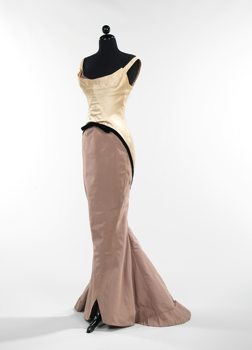 """Moda """"Arquitectonica"""" by Charles James"""