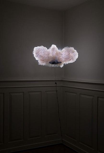 Una explosión de luz by Joschi Herczeg y Daniele Kaehr