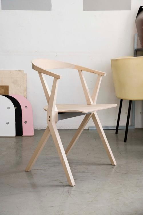 Seleccionados Premios Delta: B Chair  diseño de K. Gric by BD Barcelona Design