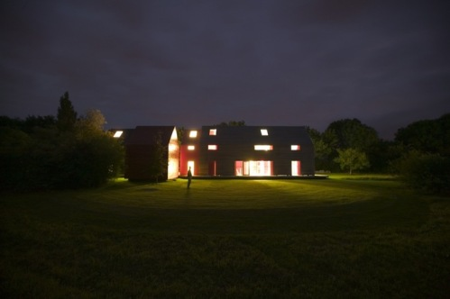 El estudio londinese dRMM construyó (creemos) la primera casa deslizante
