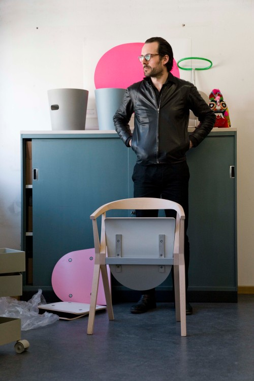 Seleccionados Premios Delta: B Chair  diseño de K. Gric by BD Barcelona Design - Konstantin Grcic