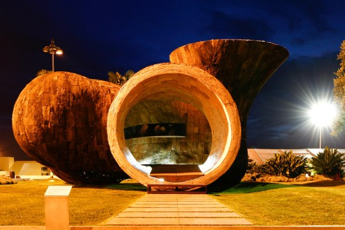 Vivir una escultura by Miguel Arruda arquitecto- photo David Pereira